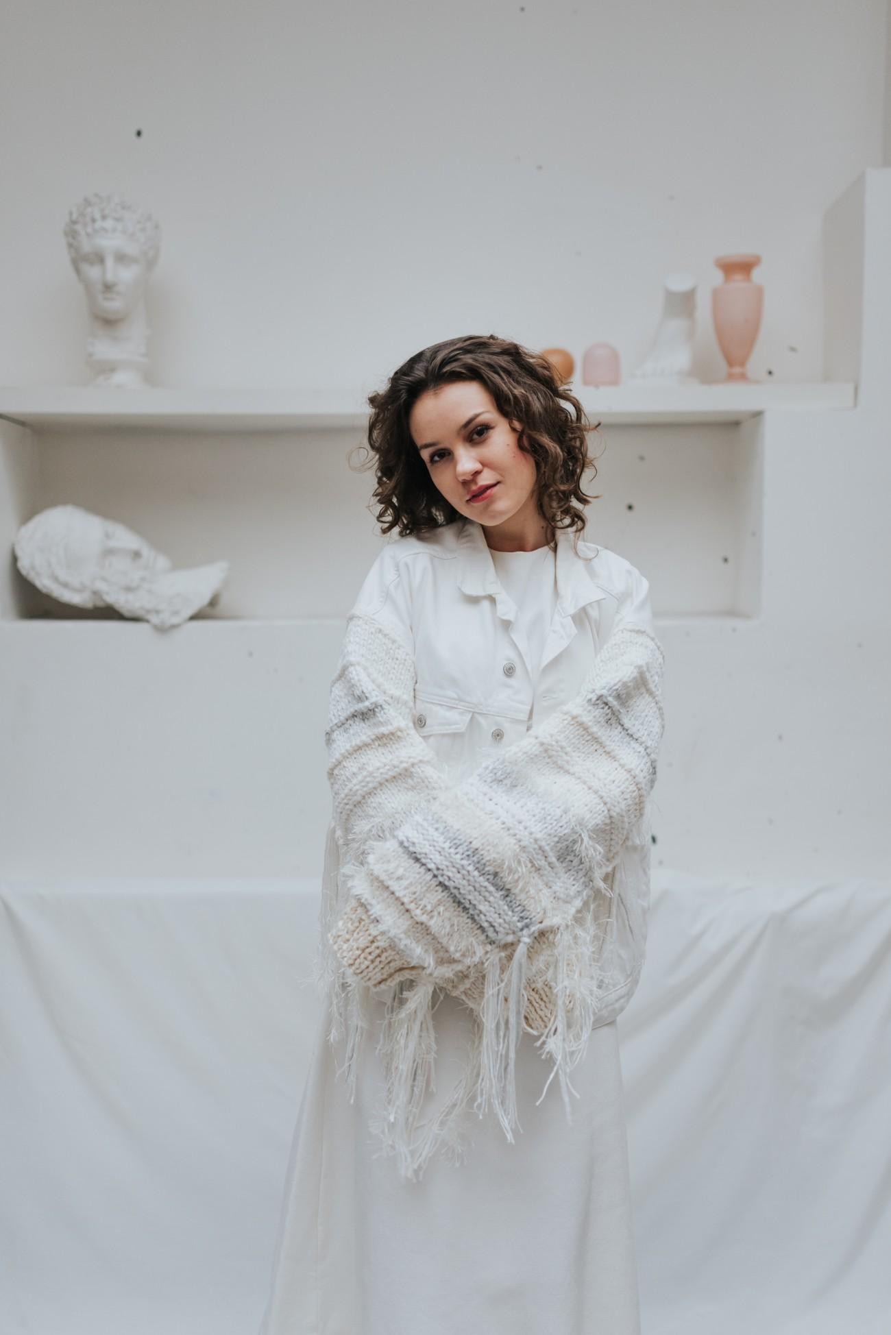 Bílá svatební denim bunda - Tvorbou - foto Katerina Kasparova (7 of 7)