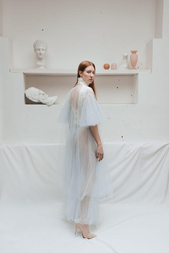 Provokativní svatební šaty od designéra - Půjčovna svatebních šatů Praha