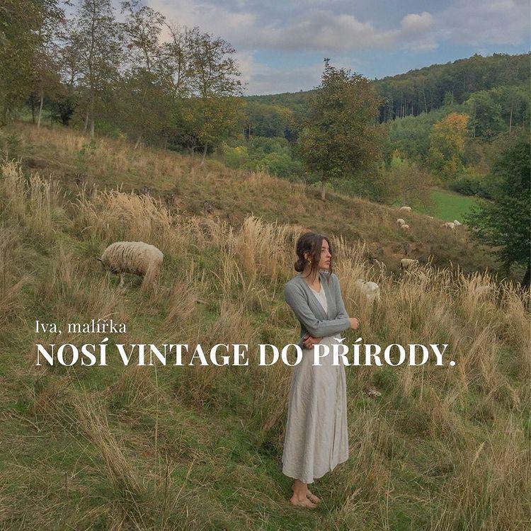 Iva Davidová, malířka z Brna nosí vintage do přírody